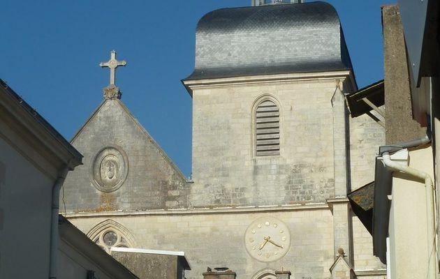 L'intérieur de l'église Notre Dame du Bon Port des Sables