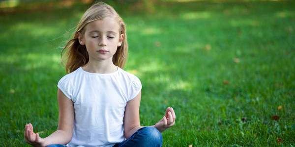•YOGA POUR LES ENFANTS: LES AVANTAGES, POURQUOI ET COMMENT «LA PRATIQUE DU YOGA DEPUIS L'ENFANCE