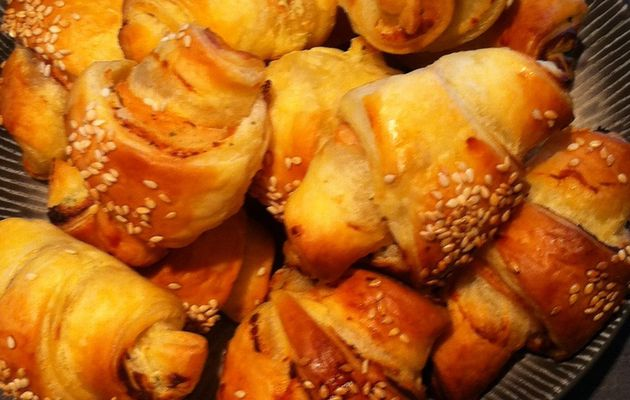 Croissants saumon et fromage frais ail et fines herbes