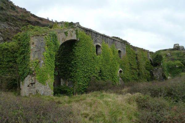 Caserne défensive du fort Robert, Roscanvel