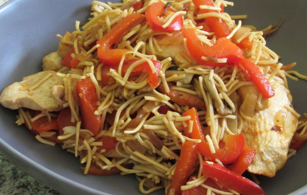 Poulet chow mein