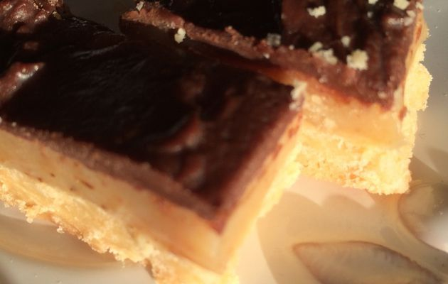 Chocolate and caramel shortbread ou Millionnaire