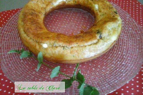 Couronne feta olives noires tomates séchées et menthe