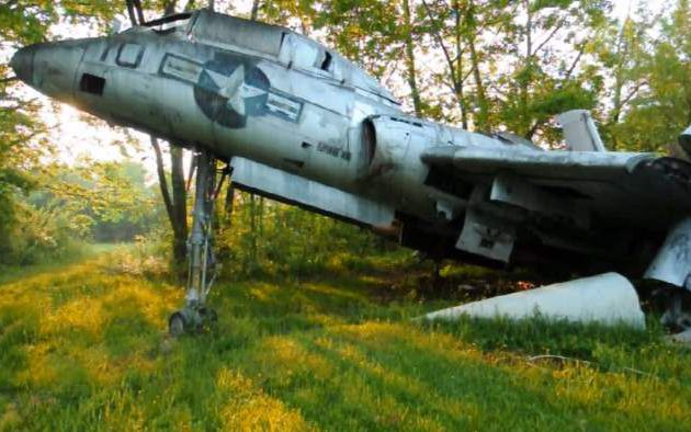 INCREDIBLE PICTURE OF UNEXPLAINED ABANDONED AIRPLANES