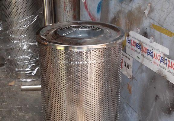Satu contoh tong sampah stainless yang di pesan hotel Jakarta