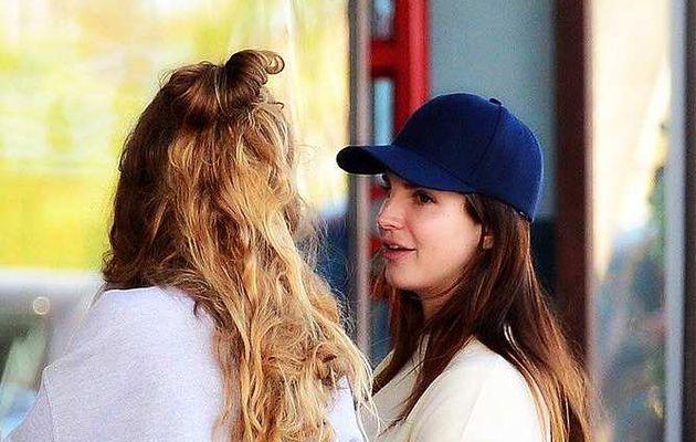 Lana Del Rey aperçue à Los Angeles (15/06/2017)