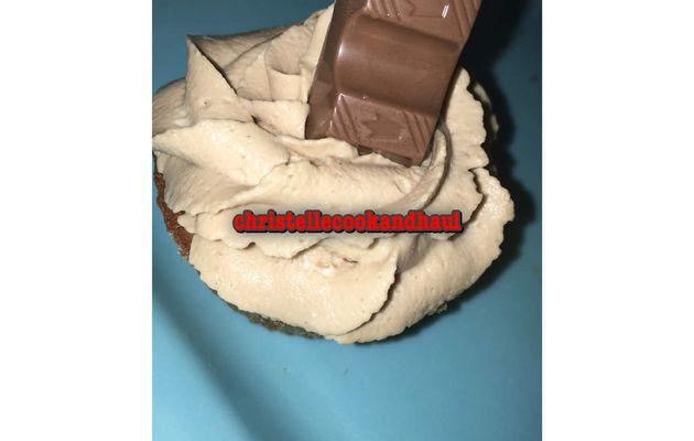 Cupcake base vanille praliné kinder