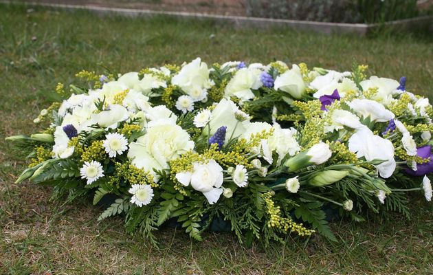 Things You Must Know about Funeral Flower Etiquette