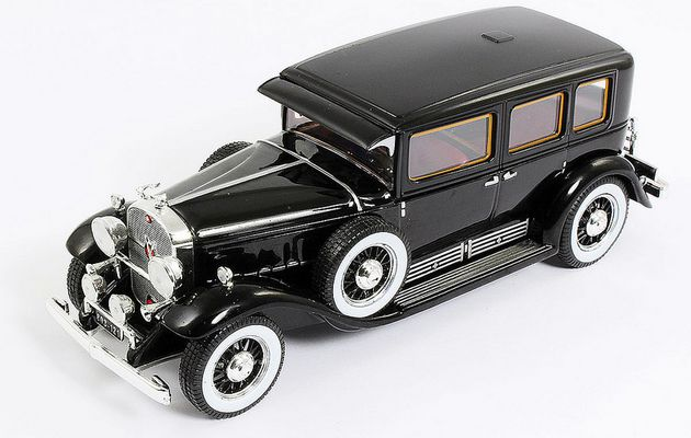 Cadillac V16 Imperial Sedan (1930)