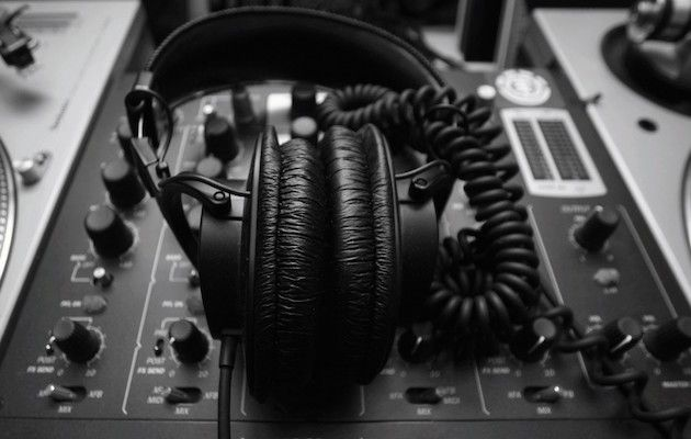 Choosing The Best Headphones For Deejaying