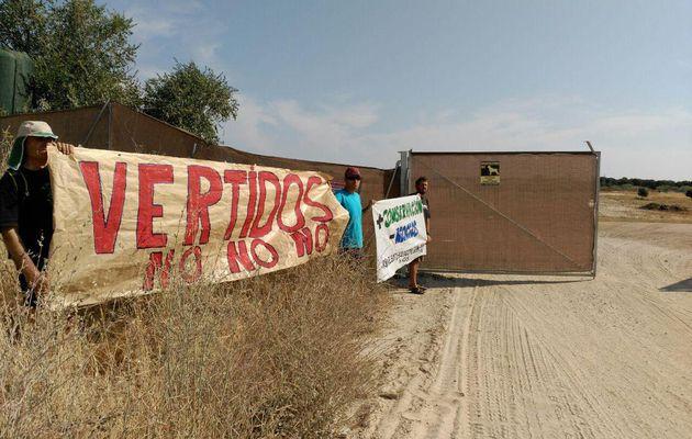 """Multa de 601 euros a una ecologista por mostrar su DNI """"en actitud chulesca"""""""