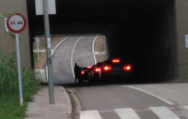 Puigdemont cambió de coche en un túnel para despistar a la policía