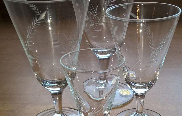 VV007 - service à verres 'épi de blé' - 16p - 64 pcs - 70€