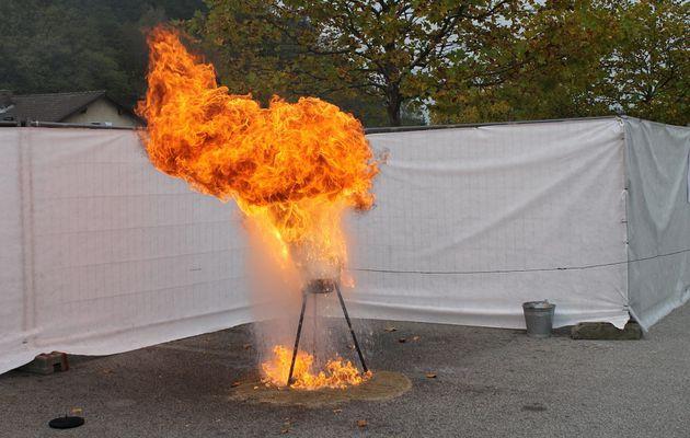 Friteuse en feu : jamais d'eau !!