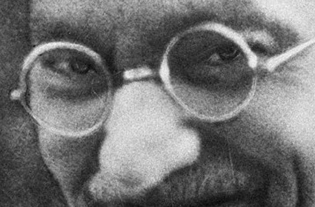 """Au nom de l'humanité, quand GANDHI écrivit à HITLER .  ... signé """"Je reste Votre ami sincère, Sd. M. MK Gandhi"""""""