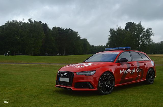 '15 Audi RS6 (C7) Avant Medical Car