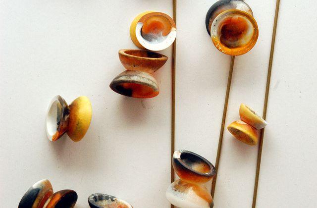 Saugnapf-Perlen-Kette aus Harz