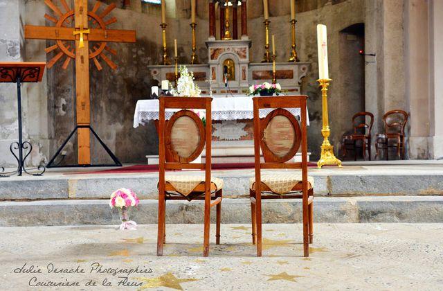 Mariage Conte de Fées | Décoration florale de l'église | Fleuriste mariage Grenoble