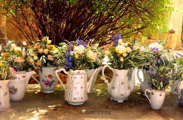 Mariage Porcelaine & Voyages à l'Abbaye de Valmagne | Fleuriste mariage Villeveyrac
