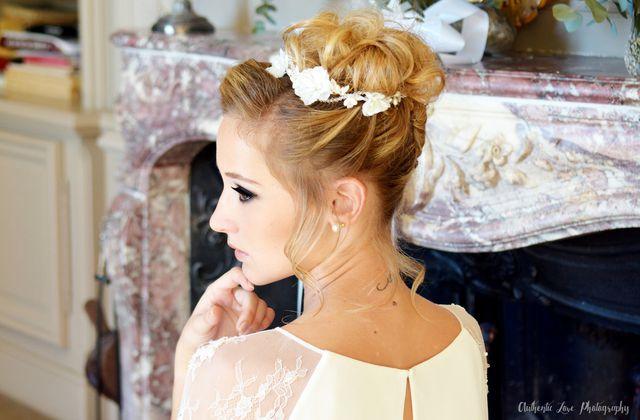 Couronne de fleurs naturelles ou couronne de mariée bijoux : comment bien choisir ?