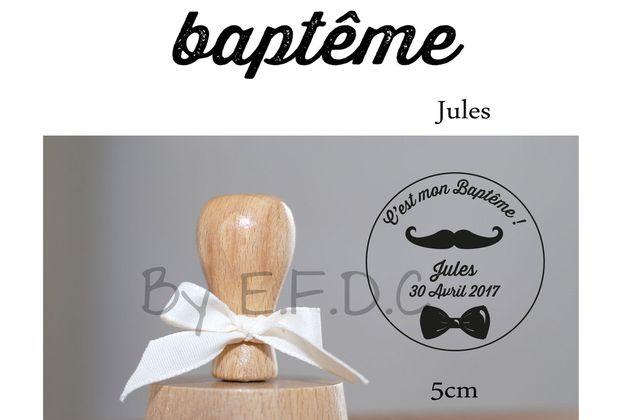 Le tampon de baptême du petit Jules .... moustache et noeud pap'