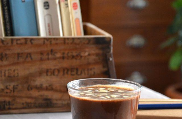 Smoothie au lait d'amande, café et cacao