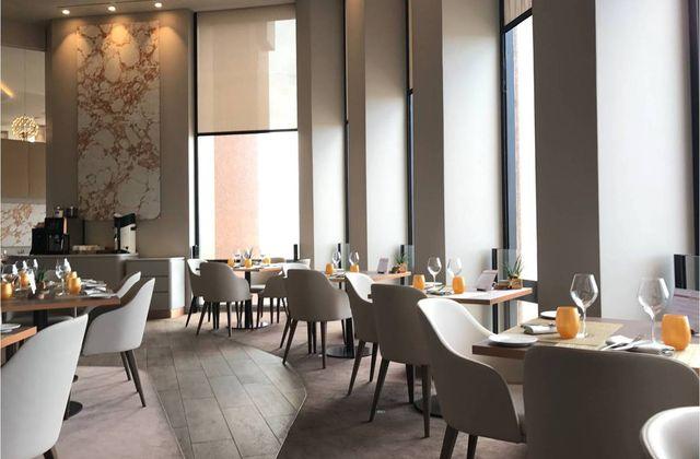 Déjeuner au Celest, 32e étage du Crayon - Lyon