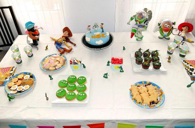 Sweet Table « Toy Story » - le premier anniversaire avec les copains