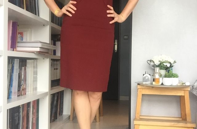 Briefing#35 - A Little Burgundy Dress