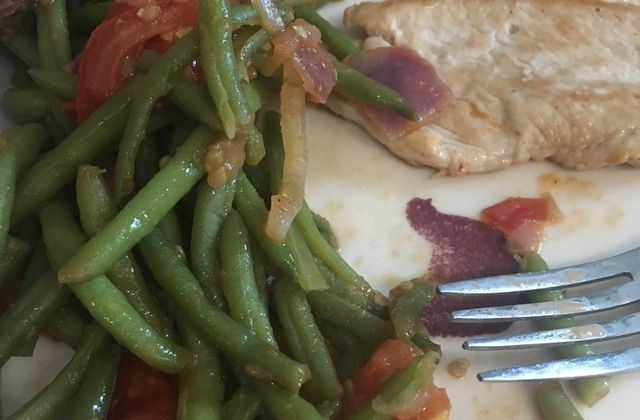 Haricots verts aux tomates