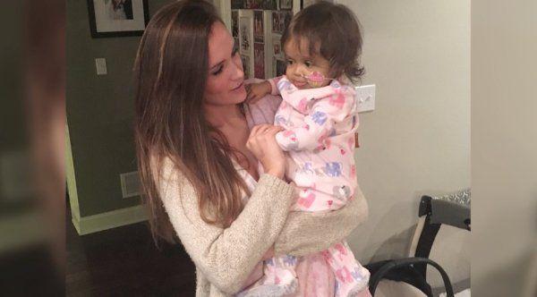 Une nounou a fait un incroyable sacrifice pour sauver un jeune enfant malade qu'elle garde
