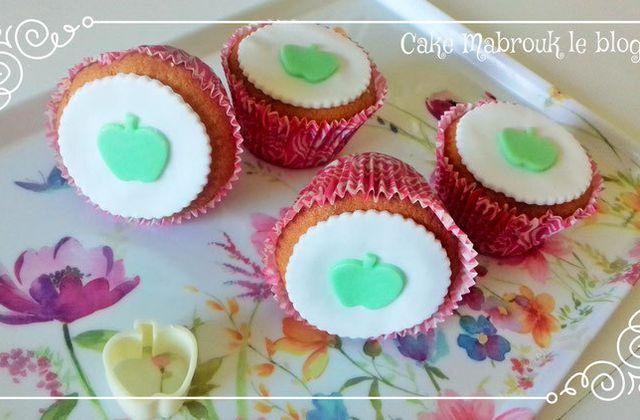 Cupcakes décoraton pâte à sucre découpoir pomme