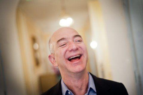 3 explications possibles au rachat du Washington Post par Jeff Bezos