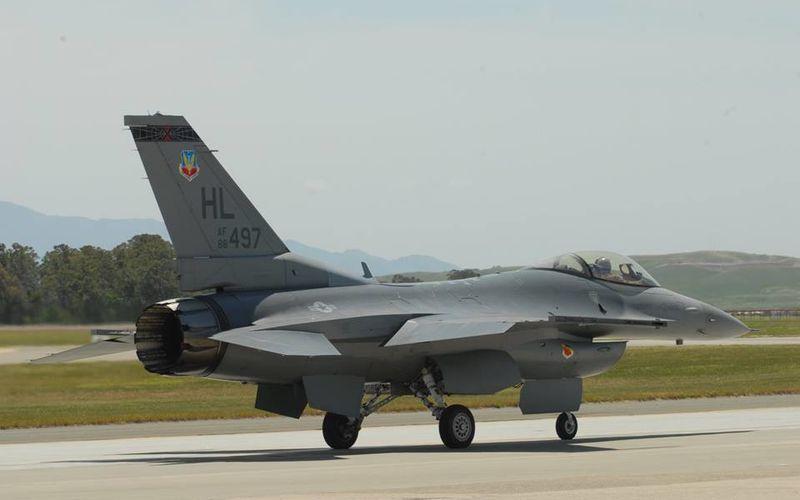 Un F-16C de l'US Air Force s'est écrasé après son décollage dans le cadre des opérations contre l'Etat Islamique