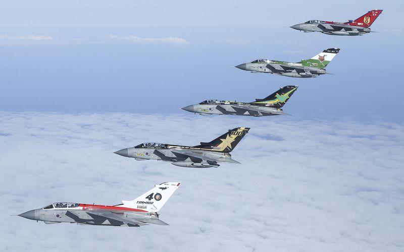 PHOTOS - En vol avec les escadrons britanniques centenaires
