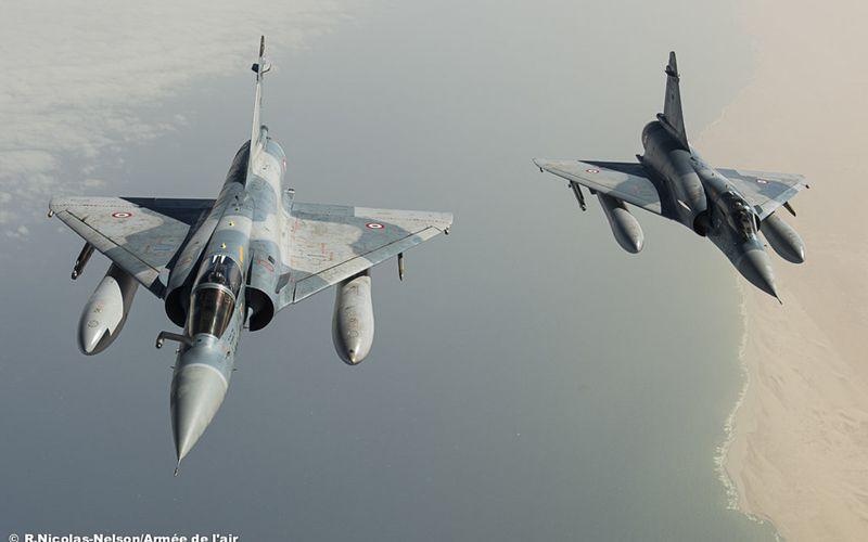 Un Mirage 2000C a effectué sa première passe canon dans la bande sahélo-saharienne
