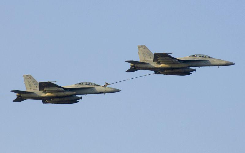 Deux F/A-18F Super Hornet se percutent en vol au-dessus de l'océan Atlantique