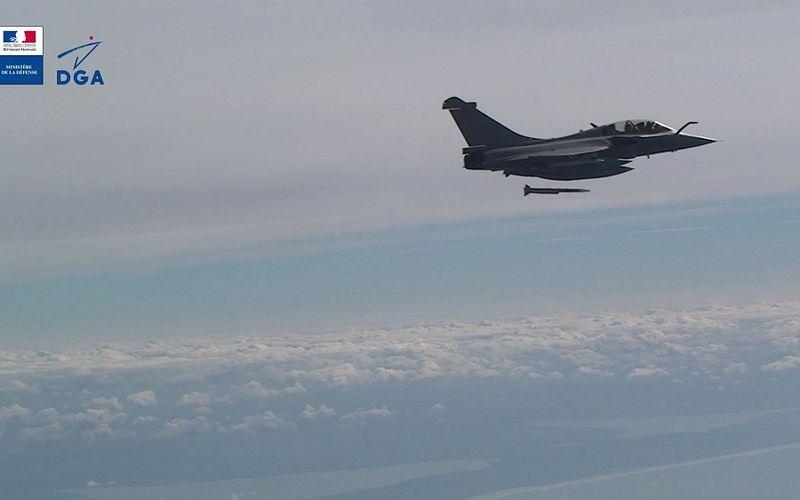Le missile air-air METEOR est intégré sur Rafale