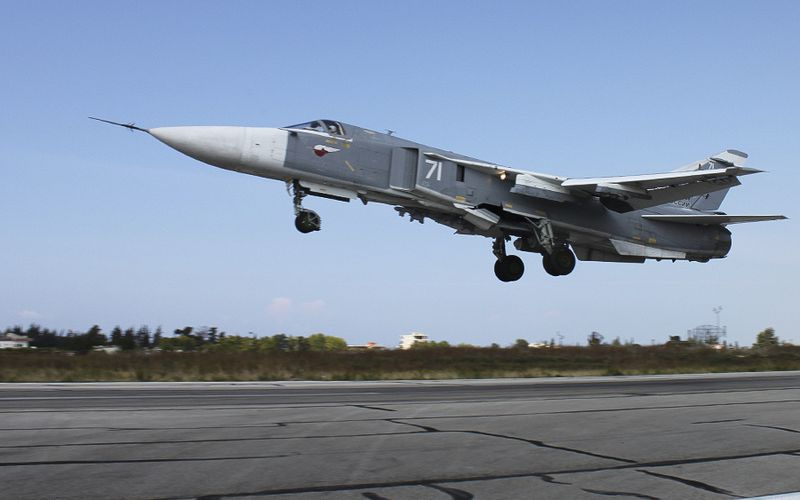 Un Su-24M2 Fencer russe s'est écrasé au décollage, en Syrie