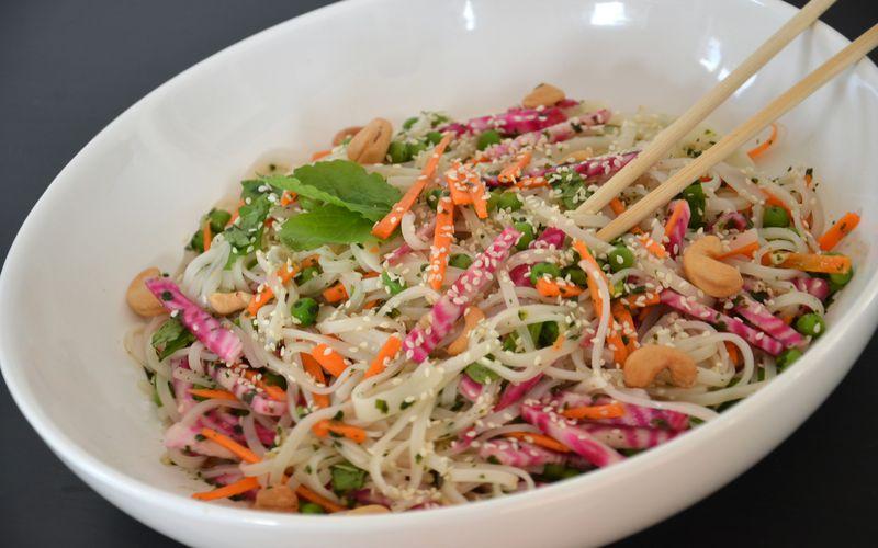 Salade de nouilles de riz à la vietnamienne {végétarienne}