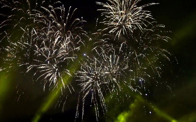 Quand le grand feu de Saint Cloud illumine le ciel