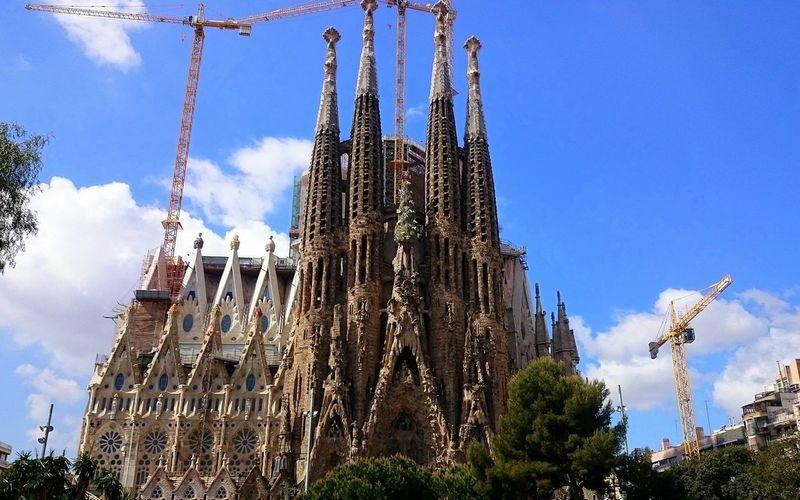 La Sagrada Familia, la basilique de tous les superlatifs