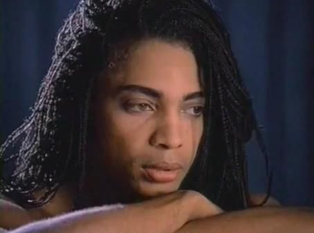 "Terence Trent D'Arby à l'époque de la World Love Revolution nous chantait ""Sign Your Name"""