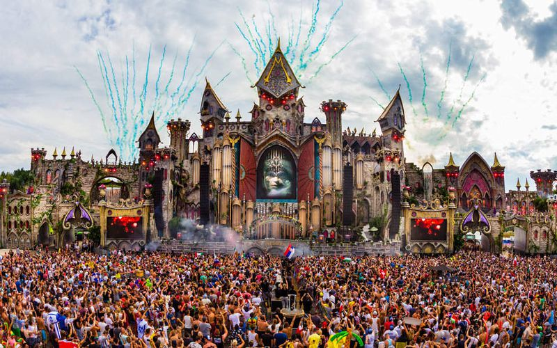 Art en Chemin sur la route de la Transe : Armin van Buuren, the king of trance in Live@Tomorrowland 2015