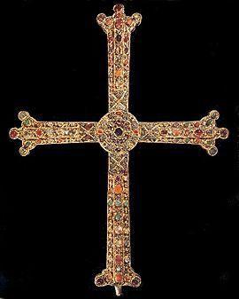 Paris a été choisi en tant que « capitale des abominations et de la perversion, celle qui porte la bannière de la croix en Europe ».