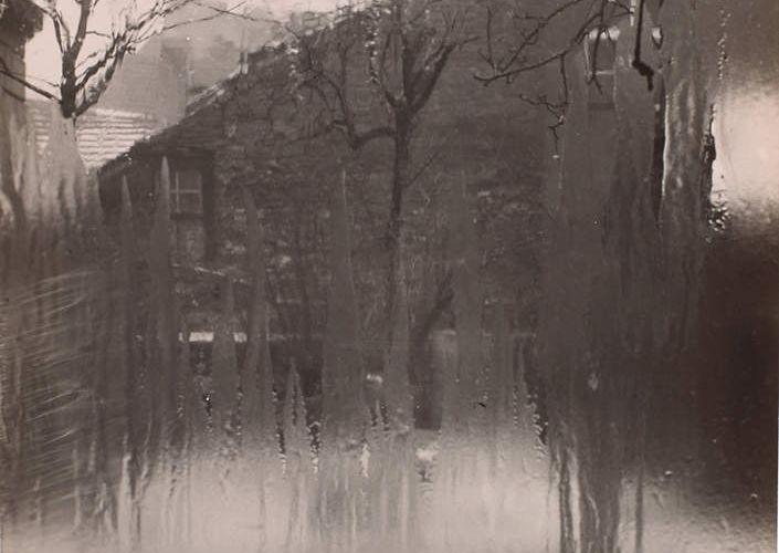 Fragment 60 - Et c'est couverte de pluie