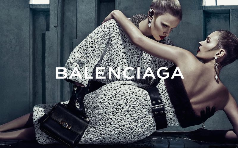 BALENCIAGA FALL/WINTER 2015 CAMPAIGN WITH KATE MOSS & LARA STONE