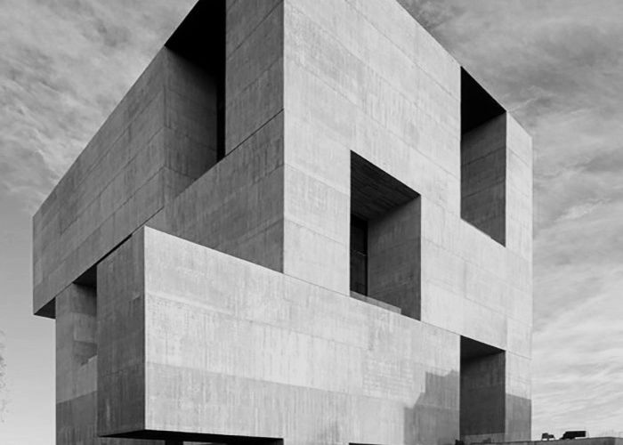 THE PRITZKER PRIZE 2016 IS ALEJANDRO ARAVENA