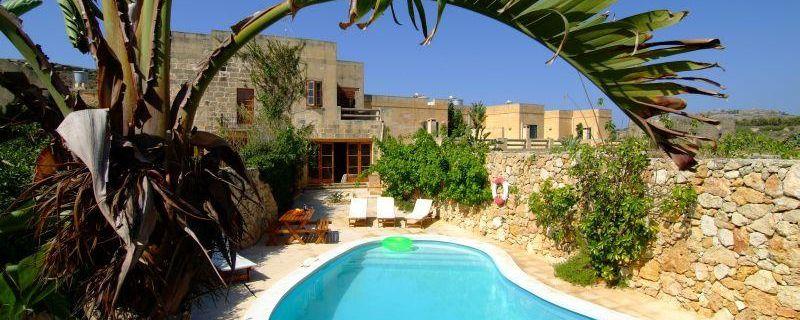 A Gozo vacanze natura nelle farmhouse vista mare