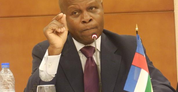Importante intervention du Pr Gaston Mandata N'Guérékata sur les ondes de VOA